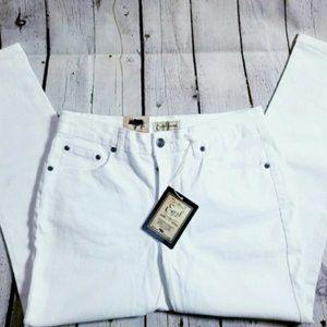 NWT Earl white capri jeans